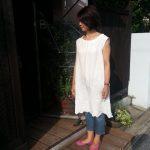 白リネン薔薇刺繍ワンピース
