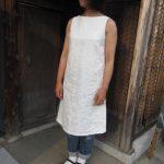 白リネン薔薇刺繍ノースリワンピ