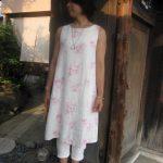 白リネンピンク薔薇